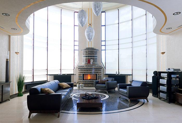 Автоматические шторы рулонного типа в гостиной