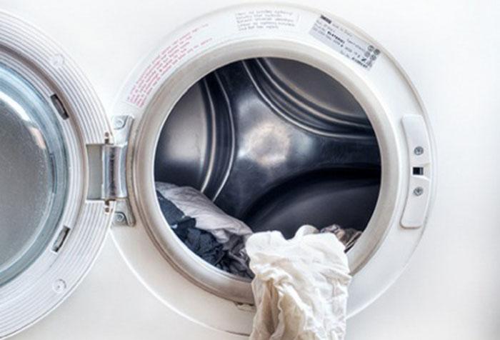 Мятая ткань после машинной стирки
