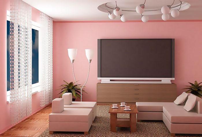 Необычные кружевные шторы в гостиной с розовыми обоями