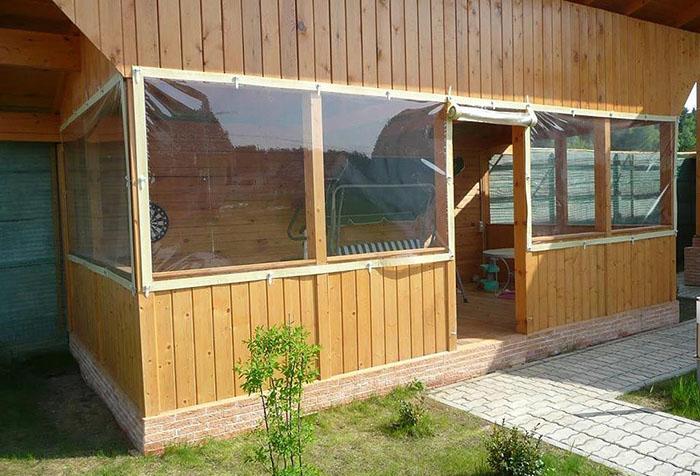 Веранда с мягкими окнами