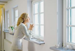 Как правильно покрасить окно с деревянной рамой?