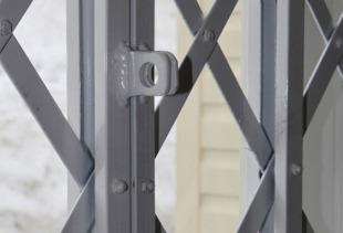 Как изготовить решетку для окна своими руками?