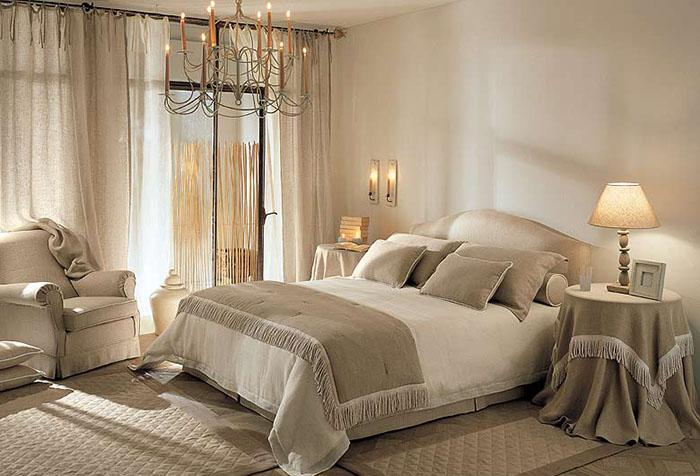 Льняные шторы на завязках в спальне