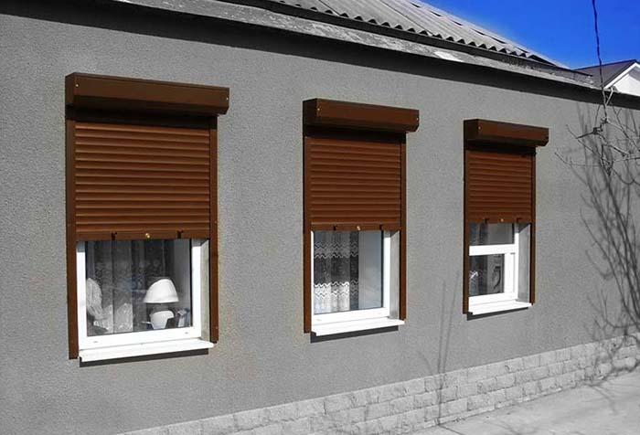 Рольставни на окнах