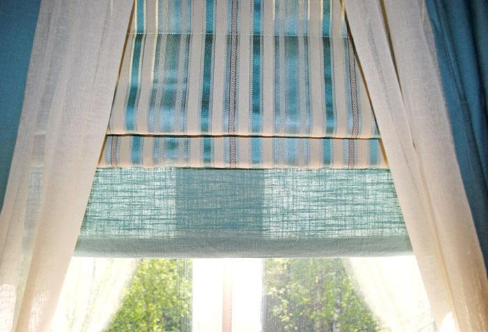 Комплект из римской шторы и портьер