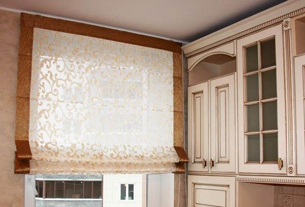 Римская штора для северного окна кухни